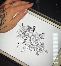 #flowers #tattoo #femininetattoo #delicatetattoo #flowertattoo
