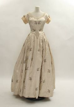 Cream Silk Dress :: Conner Prairie Historic Clothing for a young teen