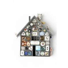 House Brooch by Grainne Morton at Seek & Adore Clay Houses, Miniature Houses, Cool Buttons, Vintage Buttons, Button Art, Button Crafts, Arts And Crafts, Diy Crafts, Little Houses