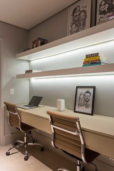 💪Creative craft decors for office walls? home office livin. 💪Creative craft decors for office walls? home office livin… 💪Creative c Home Office Layouts, Home Office Setup, Home Office Space, Home Office Furniture, Office Ideas, Office Workspace, Modern Home Offices, Small Home Offices, Office Interior Design