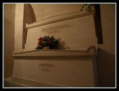In 1995 the bodies of Pierre and Marie Curie were buried in the cript of the Pantheon (Place du Panthéon), in Paris, were they lived together until Pierre's death by a street accident in Marie Curie, Manado, Pierre Curie, Pantheon Paris, Cemetery Headstones, Physicist, Nobel Prize, Flower Aesthetic, Chemist