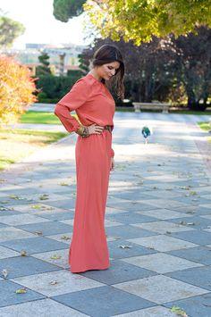 Blogger #youcanbe - Palazzo y blusa naranja para invitadas a bodas de día y de noche disponibles para su alquiler en dresseos.com