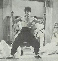 Bruce Lee Chuck Norris, Bruce Lee Movies, Martial Artist, Movie Stars, Painting, Water, Flow, Legends, Dragon