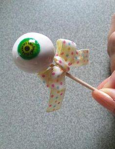 目玉おやじじゃありません(笑)粘土とガラス絵具で出来ています。虹彩部分の色違いも制作できます^^|ハンドメイド、手作り、手仕事品の通販・販売・購入ならCreema。