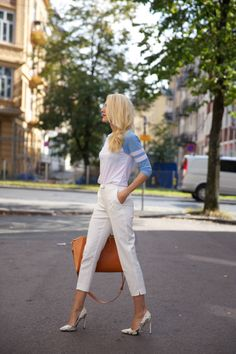 Tine Monsen - Leowulff, bag, serpent, orange Orange, My Style, Bag, Pants, Fashion, Blogging, Trouser Pants, Moda, Fashion Styles