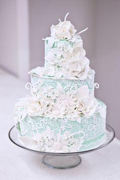 Tiffany Blue Wedding Cake with White Flowers & Sugar Veil Lace Beautiful Wedding Cakes, Gorgeous Cakes, Pretty Cakes, Amazing Cakes, Sugar Veil, Sugar Lace, Edible Lace, Blue Cakes, Fancy Cakes