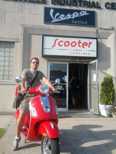 Dr. Roni S came from NYC to purchase this Certified Pre-owned 2009 Vespa GTS 250. He's moving to Boston and will enjoy riding this around the city! Have fun Roni!!! :)  #Vespa #VespaHartford #Scooter #ScooterCentrale #Fun #Smile #Summer #Boston #NYC