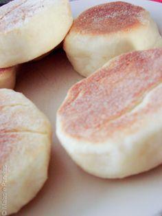 Receita de English Muffin | Malas e Panelas