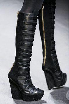 36acf958fe0c 0004fab906cb80234c21454f8d88dc8f--dark-fashion-fashion-boots.jpg (360×540