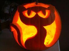 cat-o-lantern cat carved pumpkin