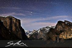 Yosemite National Park - Yosemite Tunnel View Celestial by sr1012, via Flickr