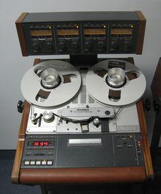 Studer A807 Tape Machine - Remix Numérisation - www.remix-numerisation.fr - Rendez vos souvenirs durables ! - Sauvegarde - Transfert - Copie - Digitalisation - Restauration de bande magnétique Audio - MiniDisc - Cassette Audio et Cassette VHS - VHSC - SVHSC - Video8 - Hi8 - Digital8 - MiniDv - Laserdisc - Bobine fil d'acier - Micro-cassette - Digitalisation audio - Elcaset