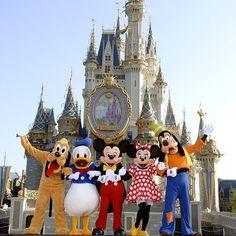 Welcome to Walt Disney World. Come and enjoy the magic of Walt Disney World Resort in Orlando, FL. Plan your family vacation and create memories for a lifetime. Disney Magic, Disney Dream, Disney Amor, Disney Love, Disney Pixar, Disney 2015, Disney Characters, Disney Stuff, Disney Mickey
