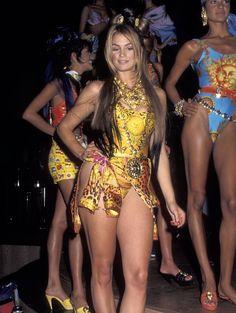 Mode inspiration le style Versace dans les années 1990 16