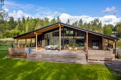 Cottage House Designs, Cottage Homes, Small House Design, Dream Home Design, Style At Home, Scandinavian Architecture, Waterfront Cottage, Open Living Area, House In Nature