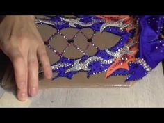 Как быстро клеить стразы на ткань - YouTube