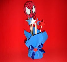Centro de mesa homem Aranha 4th Birthday, Birthday Parties, Spiderman, Batman, Superhero Party, Party Supplies, Christmas Ornaments, Holiday Decor, Floral