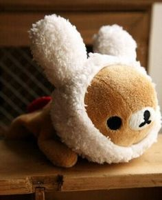 Our favorite lazy and lovable teddy bears Rilakkuma and Korilakkuma are back with a new hobby—cosplay! These adorable plushies feature Rilakkuma and Korilakkuma looking snug and comfy as ever with the
