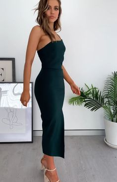Cecilia Bodycon Midi Dress Emerald - Best Picture For outfits verano For Your Taste You are looking for something, and it is going to - Satin Dresses, Elegant Dresses, Strapless Dress Formal, Cute Dresses, Beautiful Dresses, Formal Dresses, Midi Dresses, Bodycon Dress Formal, Gala Dresses