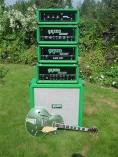 Green amps with cadillac green Gretsch Country Club ! Guitar Rig, Music Guitar, Cool Guitar, Playing Guitar, Valve Amplifier, Bass Amps, Gibson Guitars, Pedalboard, Gretsch