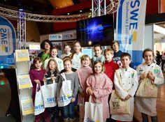 Unsere Künstler, Köche und Techniker zu Gast auf der Azubi-Messe Esslingen. Workshop, Sports, Jackets, Tops, Fashion, Things To Do, Creative, Kids, Down Jackets