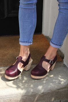 T-bar in Aubergine