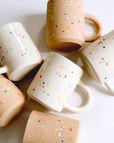 Most up-to-date Pics Ceramics projects mugs Suggestions ☀Little sunshine☀ Sprinkles on white & on speckles via Ceramic Cups, Ceramic Pottery, Ceramics Pottery Mugs, Painted Ceramics, Hand Painted Mugs, Cerámica Ideas, Mug Ideas, Keramik Design, Mug Art