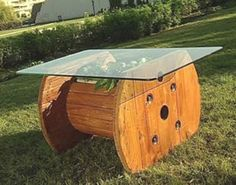 25 Cable spool furniture ideas – Little Piece Of Me Looking for a cheap and creative DIY furniture ideas?Take a look and be inspired with cable spool furniture ideas that we prepared for you! Wooden Spool Tables, Cable Spool Tables, Wooden Cable Spools, Cable Spool Ideas, Recycler Diy, Build A Table, Palette Diy, Diy Pallet Furniture, Furniture Ideas