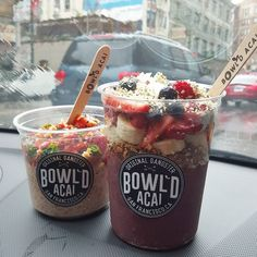 Presentation and marketing at Bowl'd Acai is spot on guys. In terms of the consistency thickness ingredients (calling out their what seems to be homemade granola) compared to one's I have had it's a total miss. Not a memorable bowl as I have had greater h Food Truck, Smoothie Bar, Smoothie Recipes, Burger Bar, Salat To Go, Açai Bowl, Café Bar, Cafe Food, Muesli