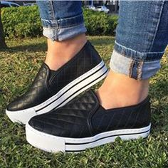 New sneakers black and white fashion ideas New Sneakers, Sneakers Fashion, Fashion Shoes, Fashion Black, White Sneakers, Trendy Shoes, Cute Shoes, Casual Shoes, Black And White Models