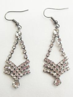 Boucles d'oreilles strass argent.  #boucles #bijoux #tendance #look #mode www.milena-moda.com