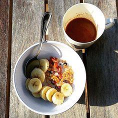 Pre-bike ride breakfast  // Granola, bananas + almond milk latte #breakfast #fuel #healthy #dineanddabble #goodmorning #glutenfre #dairyfree #oats #granola #nutrition #eeeeeeats #nycfooddiaries #newforkcity #foodie #healthyliving #eatclean #cleanfood #nycfoodgals #nycfoodie #foodporn #fitchicks #fitfoodie #healthyfoodie #healthyliving #fitness #mindbodygram #foodgram #yum #delicious #nom #vegan