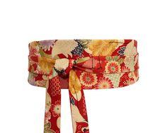 Polina Couture - Ceinture Obi rouge, motif de fleurs et carpes koi, face  unie 093155982a1