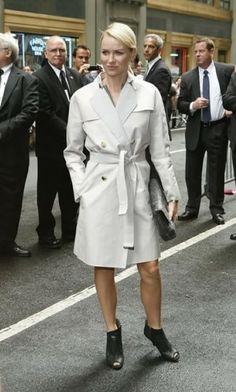 Las famosas y sus trench coats -