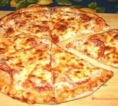 Тонкая итальянская пицца с салями