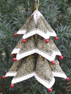 How to Make a Fold N Stitch Christmas Tree and Wreath Ornament Pattern, christmas sewing ideas, Quilted Christmas Ornaments, Christmas Origami, Diy Christmas Gifts, Christmas Art, Christmas Projects, Christmas Wreaths, Hallmark Christmas, Christmas Movies, Christmas Tree Ornaments To Make