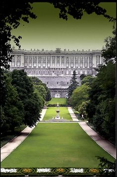 Campo del Moro,Palacio Real in Madrid