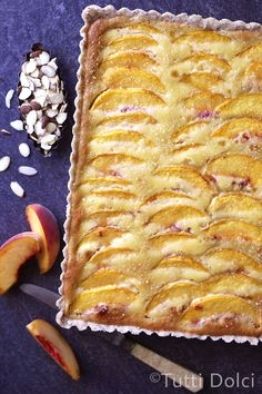 Peach Almond Tart - juicy peaches top a creamy almond filling and easy brown butter crust in this summer tart Just Desserts, Delicious Desserts, Yummy Food, Pie Dessert, Dessert Recipes, Tart Recipes, Cooking Recipes, Sweet Pie, Food Processor Recipes