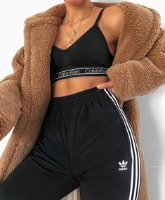 New cute outfits and cool fashion look ideas for popular clothing Chill Outfits clothing Cool Cute fashion fashionable Ideas outfits popular Cute Lazy Outfits, Chill Outfits, Sporty Outfits, Mode Outfits, Stylish Outfits, Black Outfits, Summer Outfits, Swag Outfits, Casual Winter Outfits