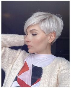 Blonde Short Hair Pixie, Short Hair Long Bangs, Short Platinum Blonde Hair, Hair Blond, Short Grey Hair, Short Hair Cuts For Women, Short Pixie, Short Human Hair Wigs, Platinum Pixie Cut
