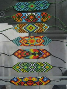 I like the tapered ends. Beaded Hat Bands, Beaded Braclets, Bead Loom Bracelets, Beaded Bracelet Patterns, Bead Loom Patterns, Jewelry Patterns, Beading Patterns, Beaded Crafts, Native American Beadwork