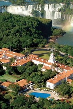 Belmond Hotel das Cataratas is the only hotel inside Brazil's Iguaçu National Park. Located right next to Iguazu Falls, it's the perfect spot for a honeymoon or any romantic getaway.