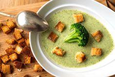 Brokkoli krémleves Healthy Soup Recipes, Diet Recipes, Vegetarian Recipes, Cooking Recipes, Slovak Recipes, Hungarian Recipes, Eat Seasonal, Winter Soups, Tasty Bites