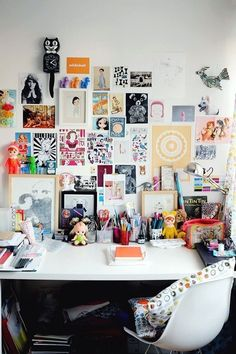 Decorative creative office - 30 Home Office Design Ideas to Help You Live a Bett. Decorative creative office - 30 Home Office Design Ideas to Help You Live a Better Life Home Office Design, Home Office Decor, Home Decor, Workspace Design, Office Workspace, Office Decorations, Ikea Office, Office Designs, Workspace Inspiration
