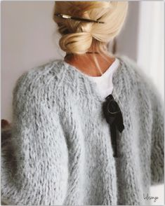 Sweaters for moms Knit Fashion, Fashion Outfits, Fashion Tips, Looks Style, My Style, Moda Outfits, Mohair Sweater, Grey Sweater, Insta Look