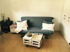DIY Mobel Sind Sehr Im Trend Hier Ist Das Wohnzimmer Komplett Nach Dem Motto Eingerichtet Eine Selbstgebaute Eck Couch Mit Einem Selbstgebaut