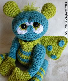 Crochet Pattern Alien Doll by Teri Crews instant por TCrewsDesigns Crochet Round, Half Double Crochet, Single Crochet, Basic Crochet Stitches, Crochet Basics, Crochet Patterns, Crochet Monsters, Crochet Animals, Cute Alien