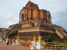 De mooie tempels van #ChiangMai in #Thailand ♥ #travelsmartnl