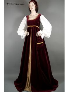 Renaissance dresses were often seen during the Romanesque period, in general they seem to be made of heavy layer fabric and often accompanied some sort of headdress.