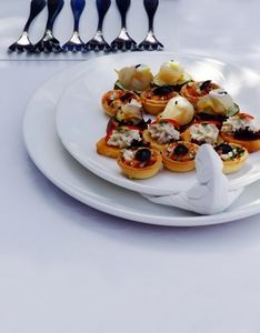 Finger Food Ideas for a 50th Wedding Anniversary Party thumbnail
